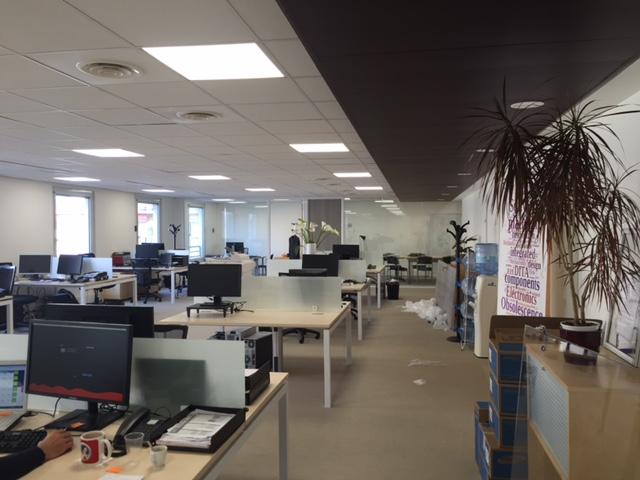 Cloisonnement de bureaux dans un open space