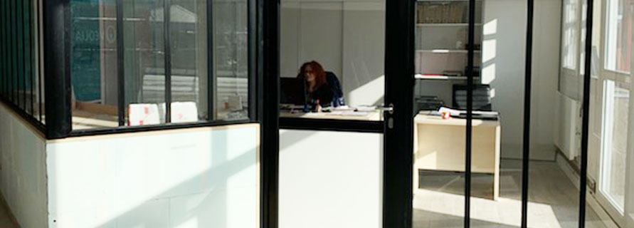 La cloison verrière d'atelier pour donner du style à vos bureaux