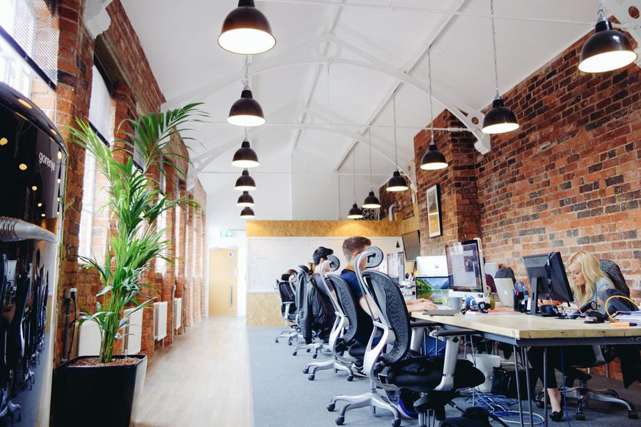 Aménager ses bureaux avec des cloisons amovibles d'atelier