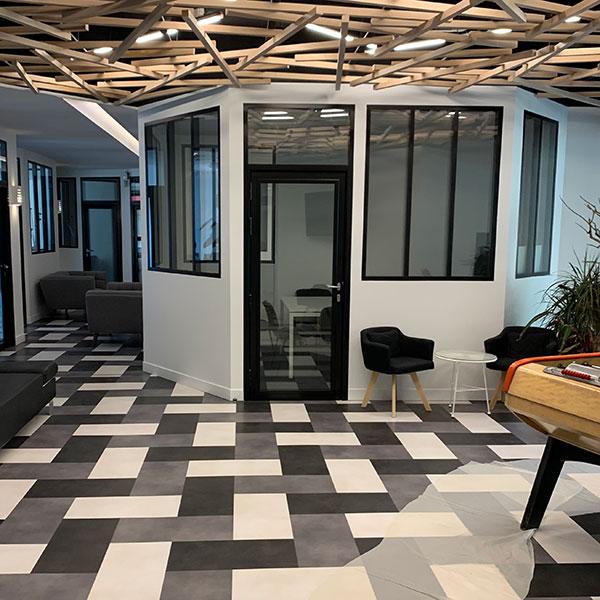 4 raisons de penser cloisons semi-vitrées pour votre aménagement bureaux