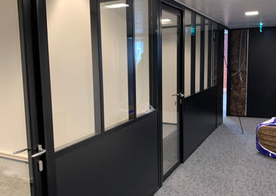 Bureaux cloison semi-vitrée